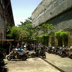 Photo taken at Loading Dock HRHB by Agung S. on 3/15/2012