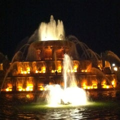 Photo taken at Clarence Buckingham Memorial Fountain by Gil G. on 6/24/2012