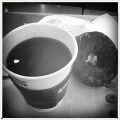 Photo taken at DUNKIN' DONUTS by Jonathan K. on 3/26/2012