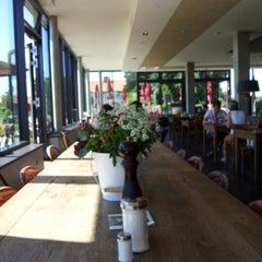 Photo taken at Dinzler Kaffeerösterei by Martin K. on 8/17/2012