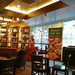 Photo taken at Starbucks by Nami C. on 12/1/2012