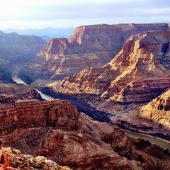 Foto tirada no(a) The Grand Canyon por Annie em 3/10/2013
