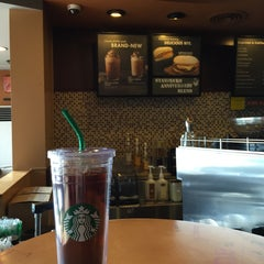 Photo taken at Starbucks (สตาร์บัคส์) by Absolute A. on 10/8/2015