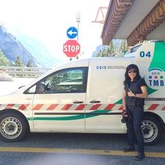 Das Foto wurde bei Traforo Monte Bianco [T1] - Piazzale Sud von Dari E. am 9/27/2014 aufgenommen