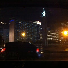Photo taken at MH. Thamrin - Sudirman Street by Grace S. on 1/9/2014