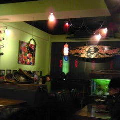 Photo taken at 帕喬斯墨西哥廚房 Pancho's Mexican Burrito Bar by El T. on 12/16/2013