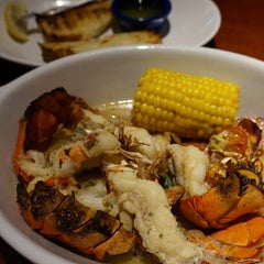 Photo taken at Red Lobster by c4macaron on 8/12/2014