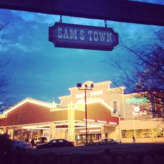 Photo taken at Sam's Town Tunica Hotel & Casino by Will R. on 3/10/2013