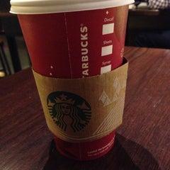 Photo taken at Starbucks by Angel L. on 11/8/2013