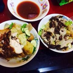 Photo taken at D'Cherang Restoran by Ann N. on 6/19/2015