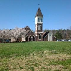 Photo taken at Kennesaw United Methodist Church (UMC) by Cassandra B. on 3/30/2014