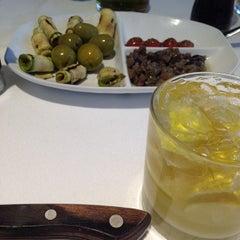 Photo taken at Devon's Gourmet - Cortes Nobres by Dra. Renê Abilhôa D. on 3/22/2014