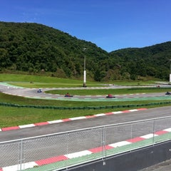 Photo taken at Kartódromo Internacional Aldeia da Serra by Nelson V. on 12/21/2012