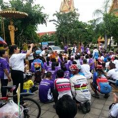 Photo taken at วัดหลวง (Wat Luang) by Tansuda P. on 7/11/2014