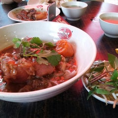 Photo taken at Peppermint a Taste of Vietnam by Kal E. on 2/17/2013