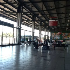Photo taken at Terminal Rodoviário Internacional de Itajaí (TERRI) by Nahor L. on 3/25/2014