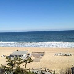 Photo taken at Gurney's Montauk Resort and Seawater Spa by Caitríona Q. on 4/19/2012