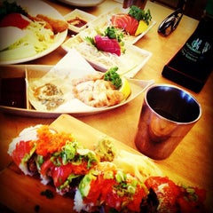 Photo taken at Sushi House by angelita f. on 5/2/2013