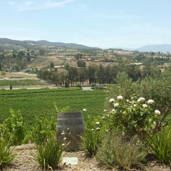 Photo taken at Cougar Vineyard & Winery by Lee C. on 5/18/2014