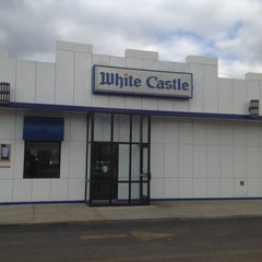 Photo taken at White Castle by Michael Walsh A. on 3/26/2015