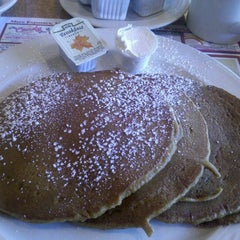 Photo taken at Legacy Diner by Serena on 9/22/2012