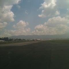 Photo taken at Gate 6 - Aeropuerto El Dorado by Francisco B. on 12/7/2012