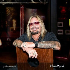 Photo taken at Vince Neil's Tatuado EAT DRINK PARTY by Khanh N. on 3/24/2015
