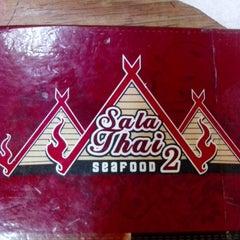 Photo taken at Restoran Sala Thai by Noadiza M. on 4/18/2014