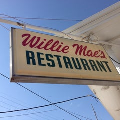 Photo taken at Willie Mae's Scotch House by mJ on 10/18/2012