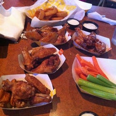 Photo taken at Buffalo Wild Wings by Eric C. on 11/9/2012