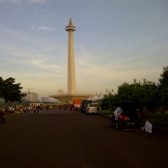 Photo taken at Monumen Nasional (MONAS) by Fie D. on 12/15/2012