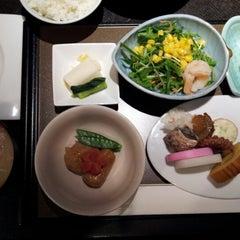 Photo taken at 古名屋ホテル Konaya Hotel by Tokyo L. on 1/2/2013