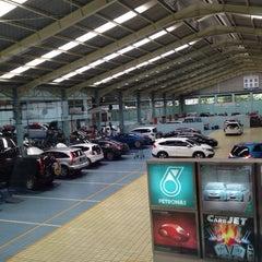 Photo taken at Honda Jakarta Center (PT Imora Motor) by Julia J. on 12/14/2013
