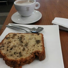 Photo taken at Havanna Café by Hilda B. on 9/15/2014