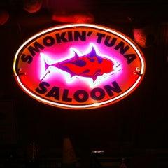 Photo taken at Smokin' Tuna Saloon by Uf T. on 12/2/2012