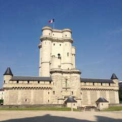 Photo taken at Château de Vincennes by Abraham on 6/8/2013