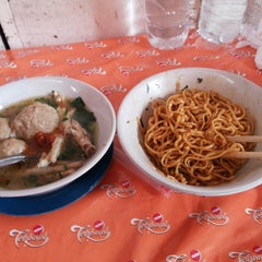 Photo taken at Mie Bakso BCA by Dhe B. on 12/30/2013