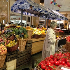 Photo taken at Eataly NYC by Darya Z. on 5/2/2013