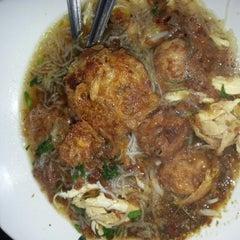 Photo taken at Restoran Soto Shah Alam by AnieFuziani ®. on 11/19/2012