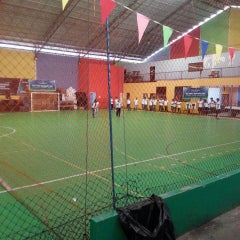 Photo taken at Hanggar Futsal by Ricky A. on 5/31/2015