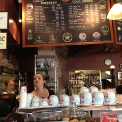 Photo taken at Espresso Vivace by C.Y. L. on 9/28/2012