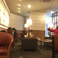 Photo taken at Starbucks | 星巴克 by Solo R. on 3/12/2016