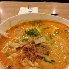 Photo taken at Bangkok Noodles by Nata L. on 10/18/2013