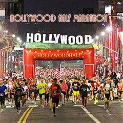 Photo taken at Hollywood Half Marathon & 5k / 10k by Hollywood Half Marathon & 5k / 10k on 12/21/2013