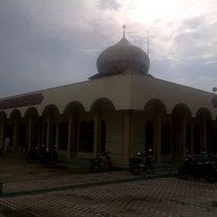 Photo taken at Mesjid Nurul Islam (KPR1 Perawang, Riau) by herudi j. on 11/3/2013
