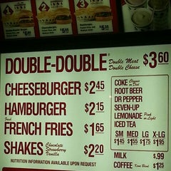 Photo taken at In-N-Out Burger by Michael M. M. on 8/22/2015