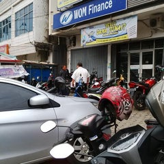 Photo taken at Wom finance by Aditya D. on 11/12/2014