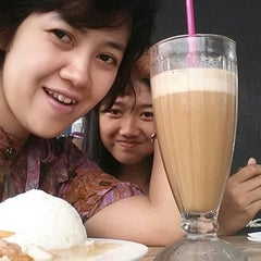 Photo taken at Solaria by Happy C. on 12/21/2014