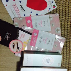 Photo taken at Etude House by Pui S. on 3/31/2015