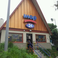 Photo taken at IHOP by Rob H. on 11/1/2012
